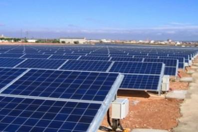 La centrale électrique solaire de Tindouf a assuré 15 % de la production électrique de la wilaya