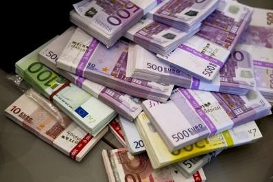 Douanes: mise en échec d'une tentative de transfert illégal d'une somme de  98 500 euros à l'aéroport de Constantine