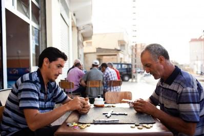 Malgré la dense animation artistique proposée à Tizi Ouzou: Les jeunes préférent les parties de dominos