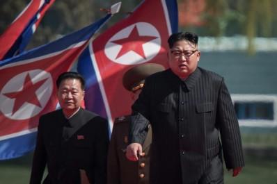 Péninsule Coréenne Des bombardiers américains effectuent un exercice de tir près de la ligne de démarcation inter coréenne