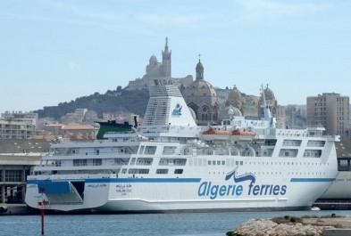 Port de Marseille-Fos: Les ferries vers l'Algérie tirent le trafic passagers