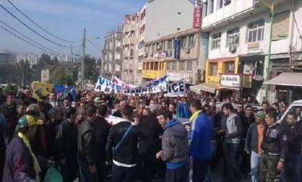 Marche à Tizi-Ouzou pour demander le départ du président de la JS Kabylie