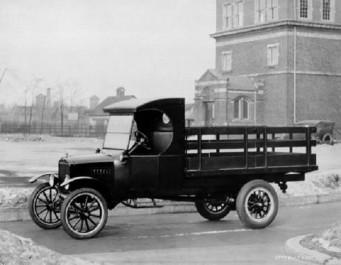 Histoire automobile : Il y a 100 ans, Ford lançait le Ford TT, pionnier des utilitaires