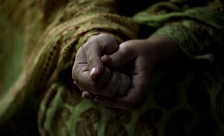 Pakistan: les membres d'un conseil de village arrêtés pour avoir ordonné le viol d'une adolescente