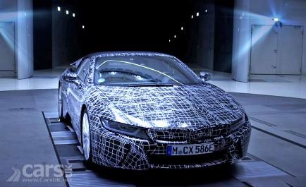 BMW Group : BMW tease la i8 Roadster