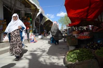 Un tir de roquette sur Kaboul tue une mère et son enfant