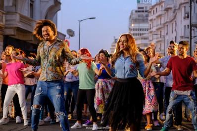 Abd El Fattah Grini et Jamila Badaoui lancent le clip vidéo du single « La Gozadera » avec le grand Marc Anthony et le groupe « Gente de Zona »