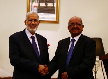 Le ministre des affaires étrangères l'a révélé hier: Des délégations libyennes prochainement en Algérie pour l'examen d'un «règlement pacifique»