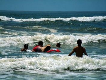 Saison estivale:  Une commission sur les côtes est du pays