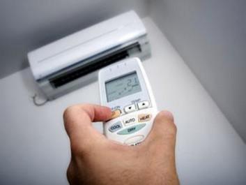 Installateurs de climatiseurs très demandés en ces journées de canicule: Les brasseurs du vent froid…