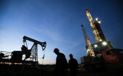 Le pétrole hésitant après les données sur les réserves américaines
