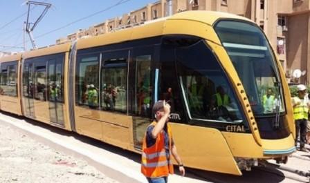 Sidi Bel-Abbès : les habitants découvrent le tramway