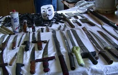 Saisies dans plusieurs wilayas : des quantités de cartouches pour fusils de chasse, d'armes blanches et du cannabis