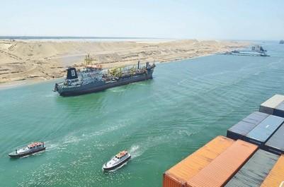 Les navires qataris interdits d'accoster dans le canal de Suez (Crise du Golfe): Nouveau tour de vis contre Doha