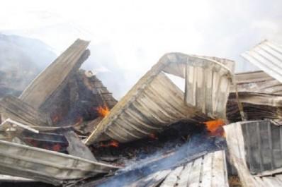 Mila: Deux voitures et un atelier de menuiserie décimés par le feu