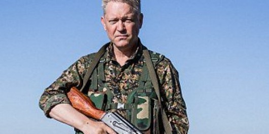 De «Pirates des Caraïbes» à la guerre contre Daech en Syrie, le parcours hors-norme de l'acteur Michael Enright