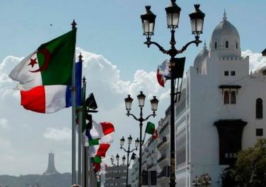 Relations algéro-françaises: Alger et Paris à l'aune du conflit malien