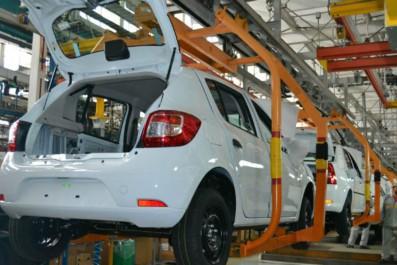 Echec de l'industrie automobile : Ouyahia impuissant devant la crise ?