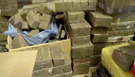 3 contrebandiers arrêtés et saisie de 93 Kg de kif traité à Tamanrasset et Tlemcen