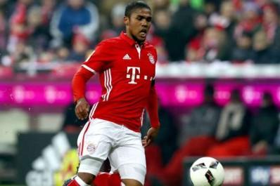 Le Bayern et la Juve négocient pour Douglas Costa