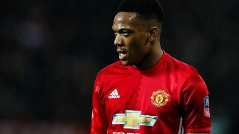 Man Utd : Mourinho prêt à laisser filer Martial ?