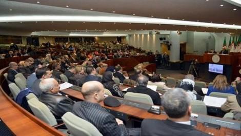 EN 5 ans, leurs sièges au parlement leur rapportent la grosse cagnotte: 65 milliards de centimes pour le FLN et le RND