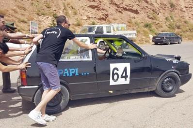Rallye spécial montagne (1) Des participants tombent en panne mécanique