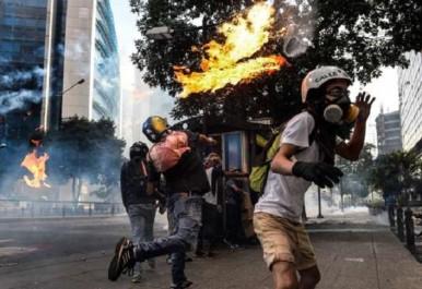 Venezuela : au moins quatre militaires blessés dans une explosion à Caracas