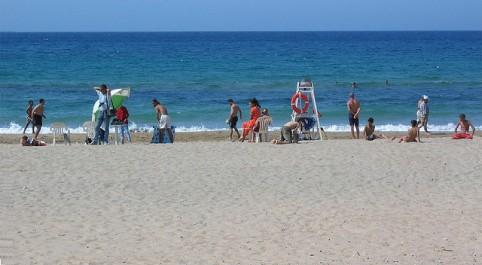 Algérie: La caravane de sensibilisation sur l'environnement fait escale à la plage «Les Andalouses» (Oran)