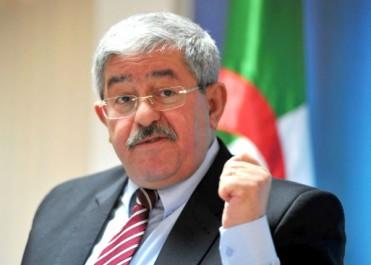 Il reprend le dialogue social initié par son prédécesseur : La mission pas de tout repos d'Ouyahia