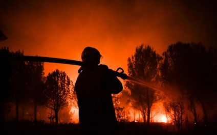 France: des milliers de passagers de train bloqués par un feu