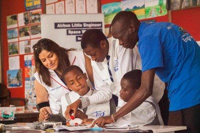 La Fondation Airbus étend son programme de développement des jeunes à l'Afrique
