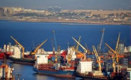 Algérie-«La réduction des importations pourrait être atteint par d'autres moyens» (économiste)