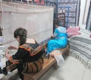 Ait Hichem: Le tapis en fête