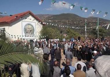 Célébration du 20 Août à Béjaïa: Des milliers de personnes à Ifri