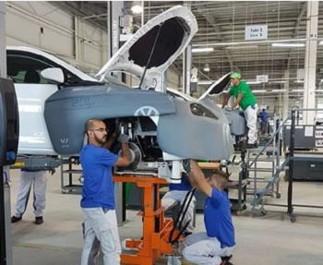 Le ministre de l'industrie et des mines  affiche la couleur: L'industrie automobile retrouve sa place