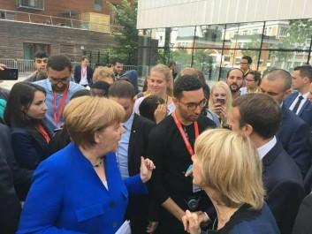 Un jeune algérien à la rencontre d'Emmanuel Macron pour parler de la création d'un office franco-algérien pour la jeunesse