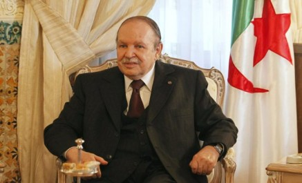 Le Président de la république Bouteflika signe cinq décrets portant ratification d'accords internationaux