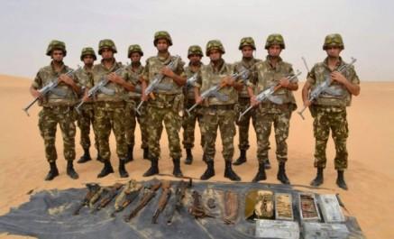 Une cache d'armes et de munitions découverte à Adrar (MDN)