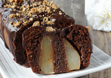Gâteau surprise aux poires et chocolat
