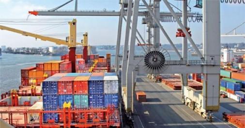 Commerce extérieur: baisse du déficit commercial sur les 7 premiers mois de 2017