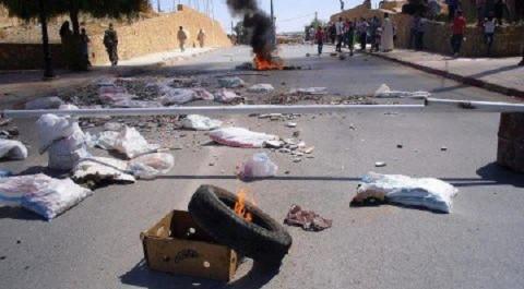 Tiaret : Les habitants de la cité» 80 lgts» coupent la route