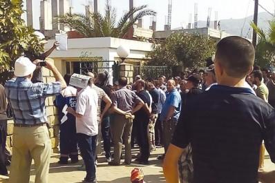 Ils ont protesté contre le manque d'eau et les coupures d'électricité: Grève générale des commerçants à Azeffoun