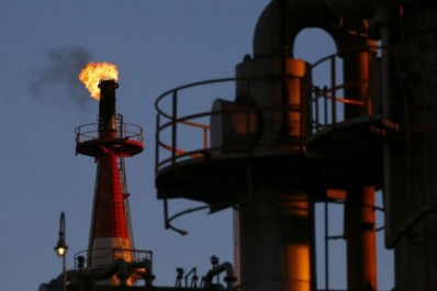 Le premier ministre doit manoeuvrer avec un pétrole autour des 50 dollars: Ouyahia face au baril