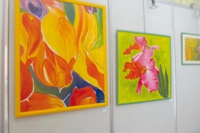 Karima Zidani, l'artiste peintre à la  main verte: La galerie Aïcha-Haddad s'est muée en jardin