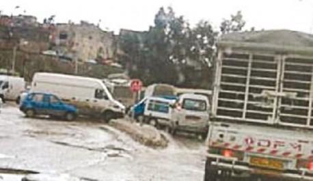 À cause d'un réseau d'assainissement détérioré à Tizi ouzou: Les résidents du lotissement Bouaziz ferment la rue Khodja-Khaled
