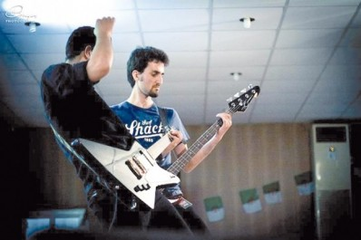 """Zaki Bouabdallah, guitariste des groupes  Sharaeen et White Wolf:  """"Nous voulons redorer le blason du métal en Algérie"""""""