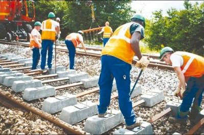 Ligne ferroviaire AÏN TÉMOUCHENT-BENI SAF: Un autorail et quatre nouvelles dessertes en renfort