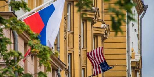 Les Américains suspendent les visas aux Russes: La confrontation Moscou-Washington s'exacerbe