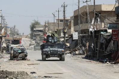 En prévision de l'assaut final: Frappes sur un fief de l'EI en Irak